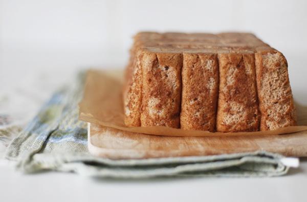 Шарлотка с бисквитным печеньем