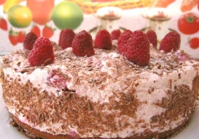 нежный и вкусный шоколадно-малиновый торт