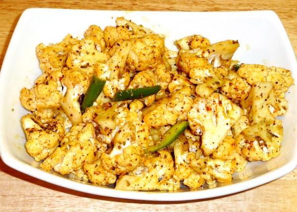 Shakkar Para is a wonderful Indian crunchy treat