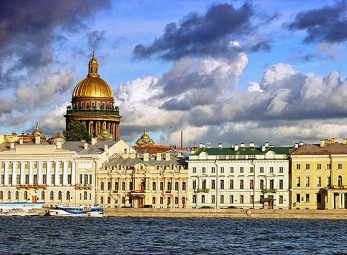 Работу в Петербурге найти несложно