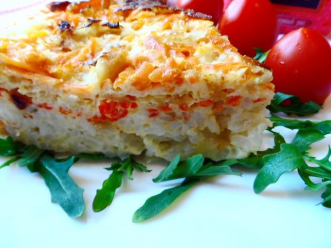 Овощная запеканка с рисом и креветками