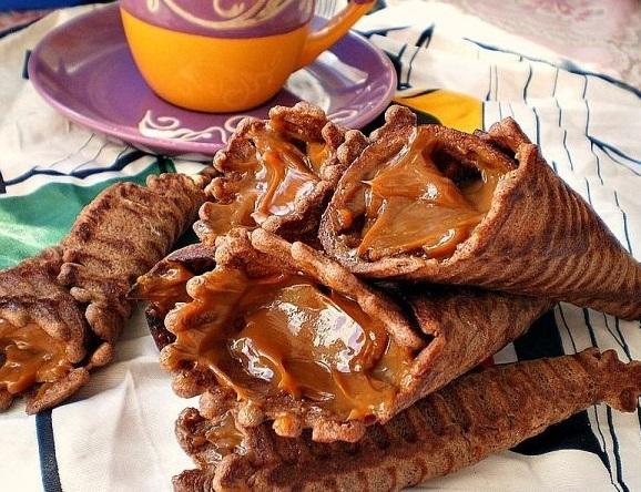 Шоколадные вафельные трубочки со сгущенкой