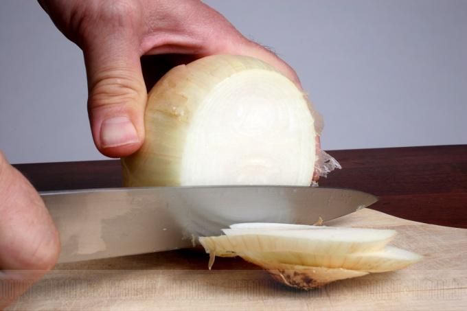 Как сделать салат из крапивы