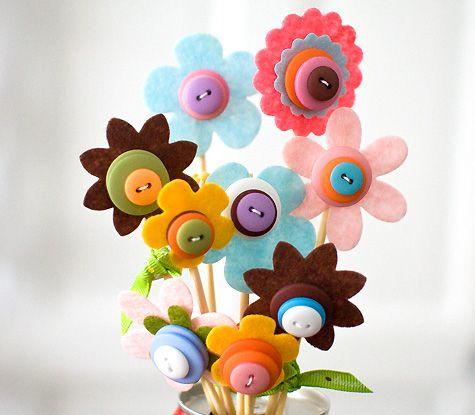 Как сделать весёлые цветы из фетра