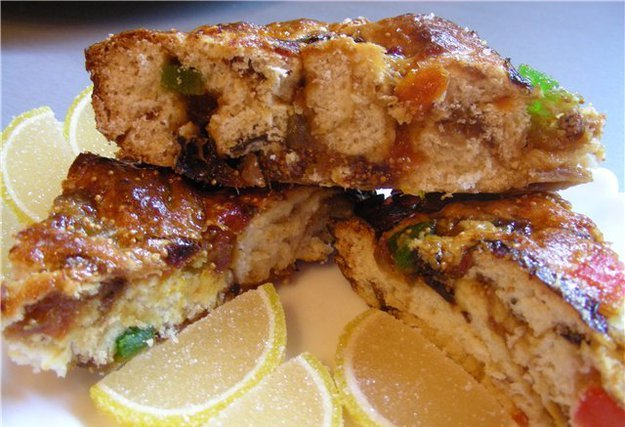 Пирог с инжиром и финиками