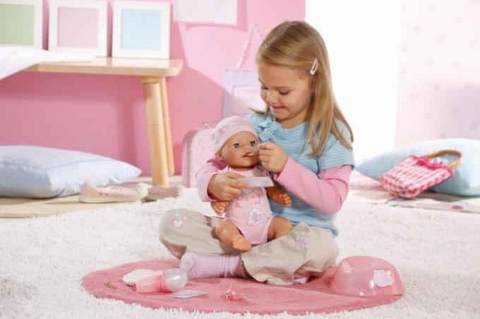 Какую куклу выбрать для девочки