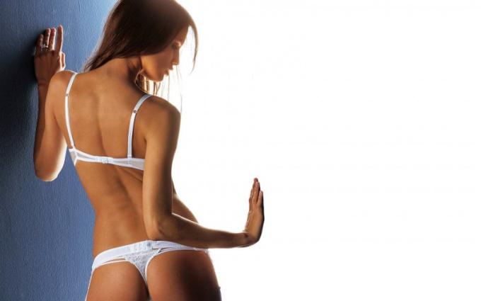 Почему вредно носить стринги