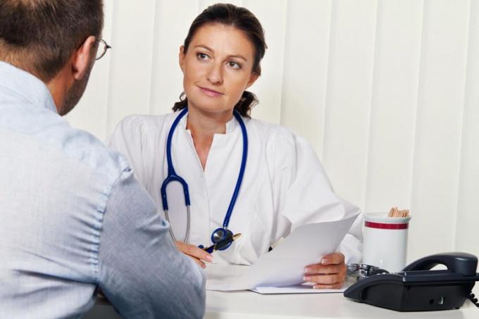 Психологу необходимо в результате беседы с пациентом выявить заболевание