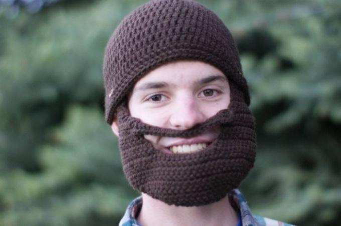 Как связать шапку с бородой