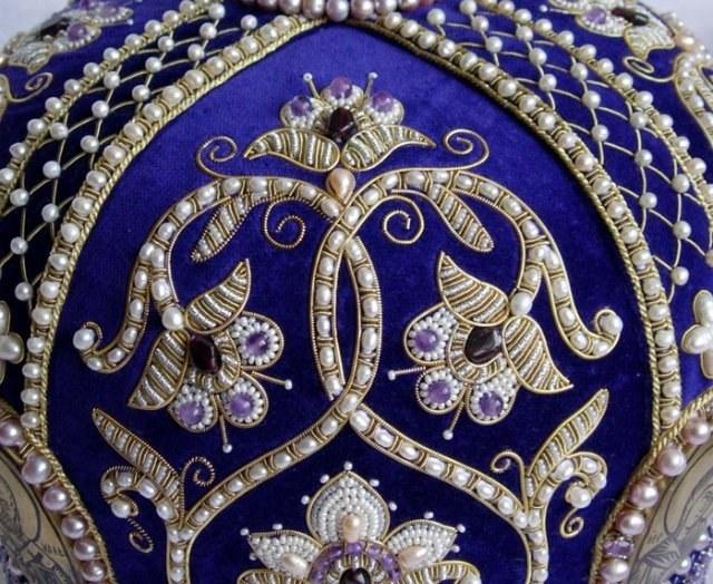 Пошив одежды и ее украшение являлись прерогативой белошвеек
