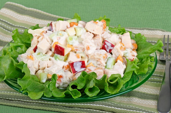 Куриный салат по-кубински