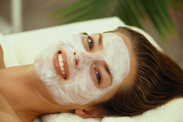 How to make a face mask for dry skin