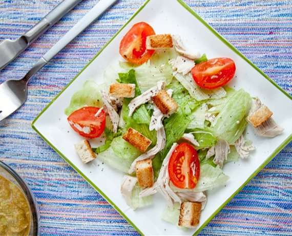 Салат с крутонами