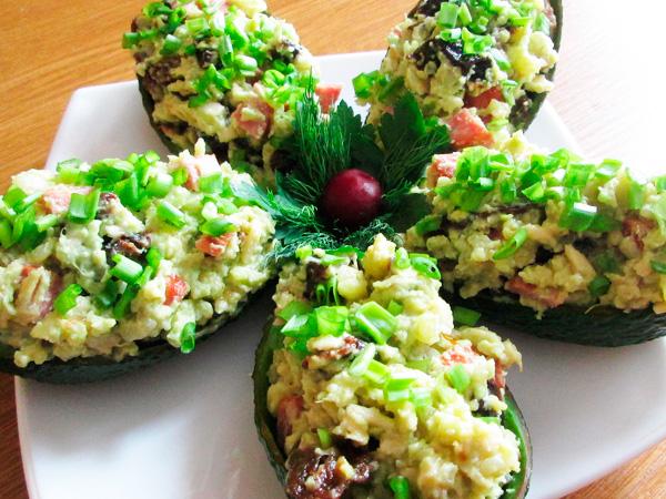 Салат из кураги и авокадо