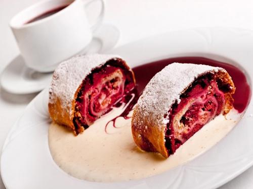 Вишневый штрудель – вкусный десерт