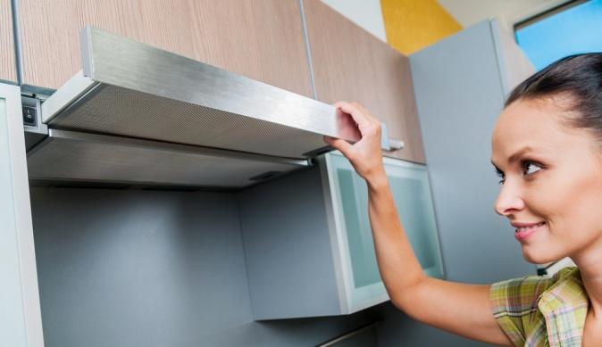 Как отмыть кухонную вытяжку от жира