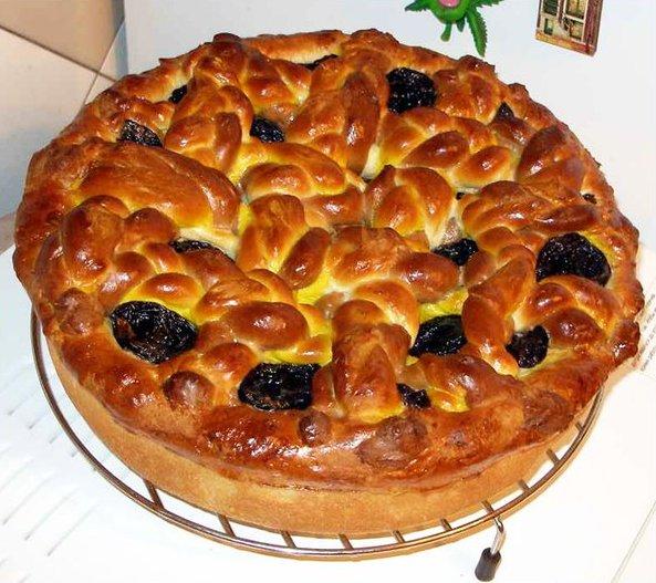 Немецкий торт с черносливом