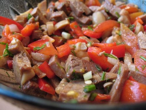 Салат с языком говяжьим и болгарским рецепт
