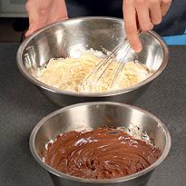 """Как приготовить десерт """"Два крема"""""""