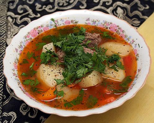 Суп из говядины и ветчины