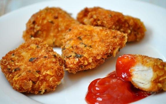 """Как приготовить хрустящие куриные """"пальчики"""" за 15 минут"""