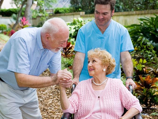 Болезнь Паркинсона: причины, симптомы и лечение