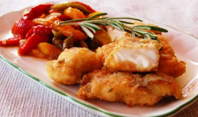 Белая рыба в клубничном соусе