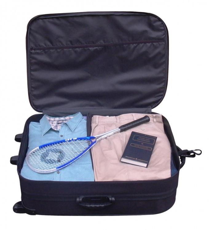 Как сложить в чемодан вещи, чтобы они не мялись