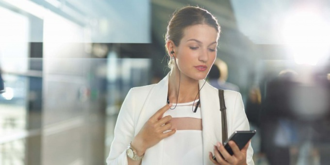 Как слушать музыку Вконтакте через телефон