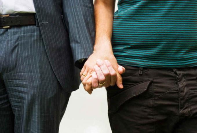 Как узнать гея