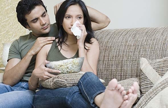 Как утешить девушку в трудную минуту