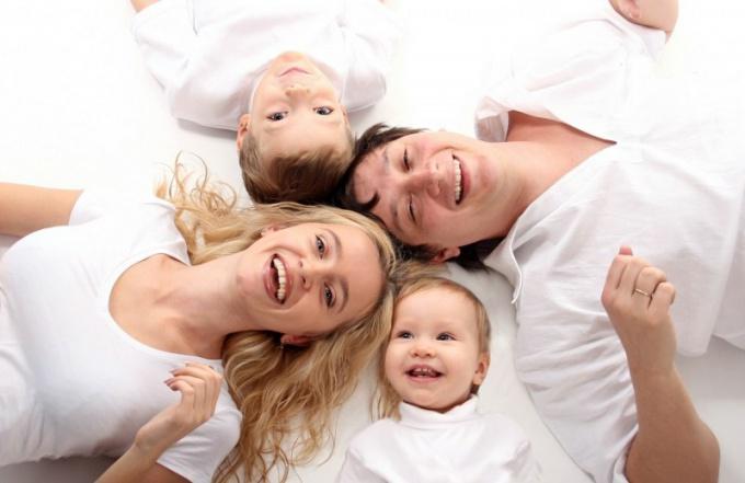 Как стать интересной мужу, имея маленьких детей?