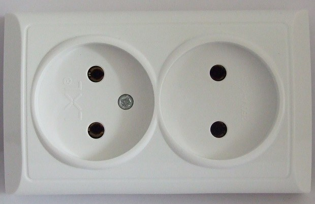 How to connect 2 sockets