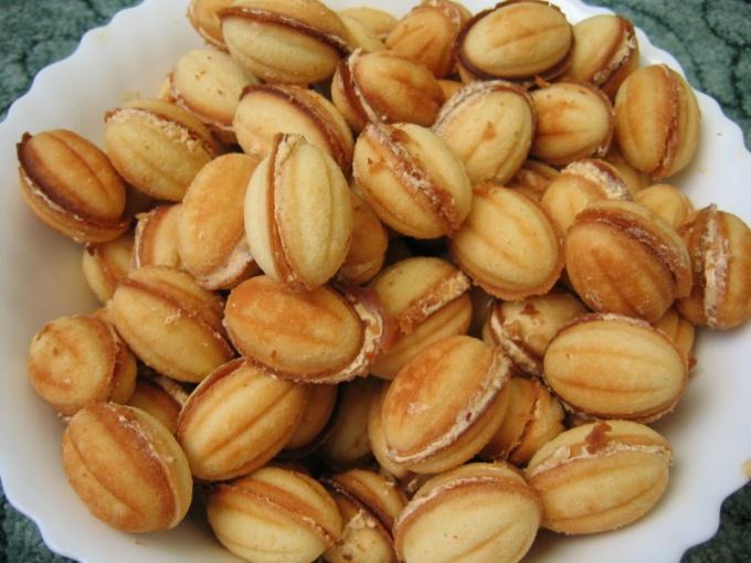 Орешки со сгущенным молоком