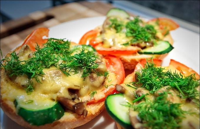 Горячие бутерброды по-итальянски