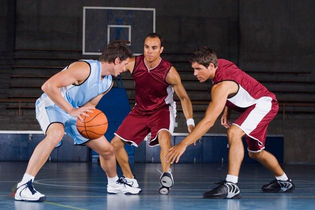 Дриблинг в баскетболе