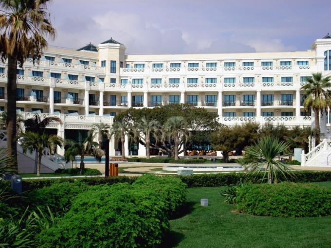 Чем отличается отель на первой линии