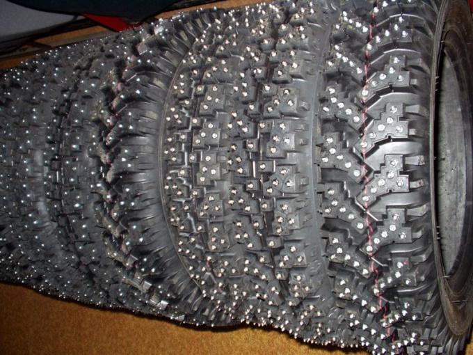 Современные шипованные шины