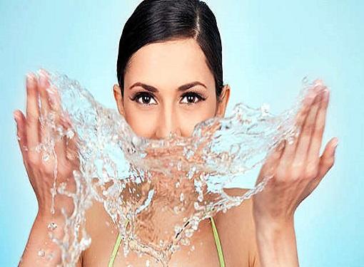 Что же такое водостойкая косметика?