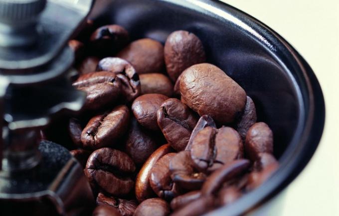 Как использовать кофейную гущу в хозяйстве