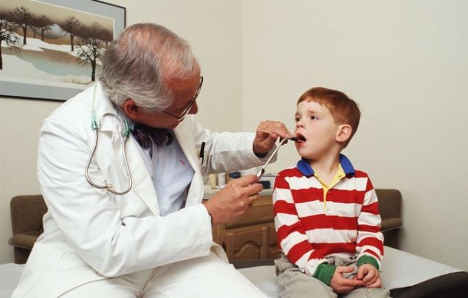 Народные средства для лечения стоматита