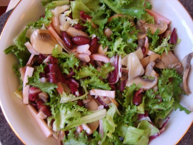 Салат с грибами и фасолью фото