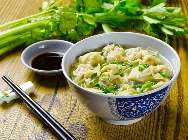 Китайский суп с клецками