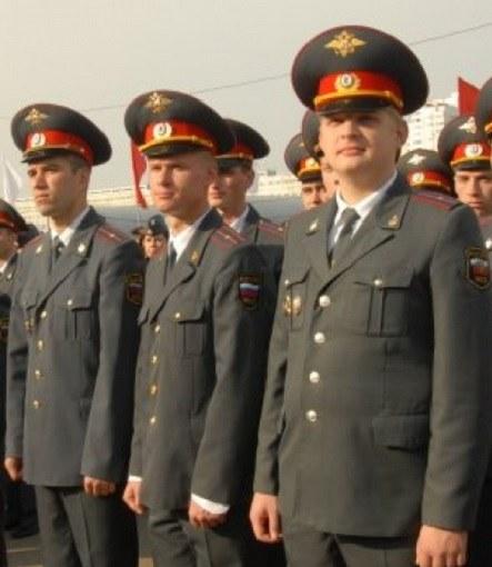 сотрудники МВД