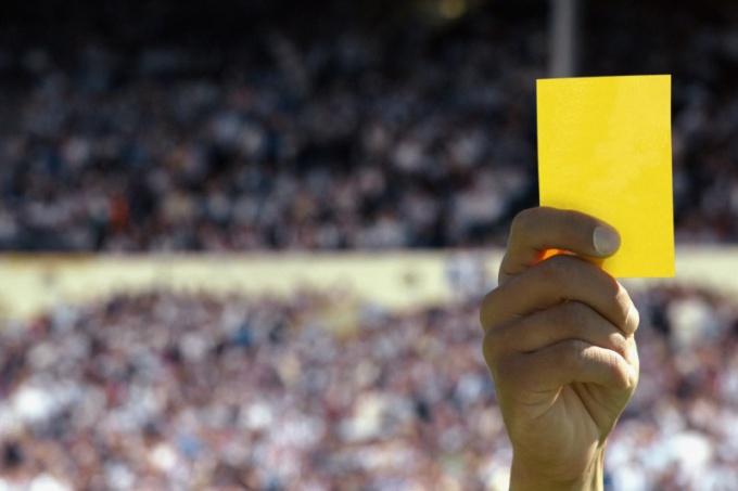 """Что такое """"желтая карточка"""""""