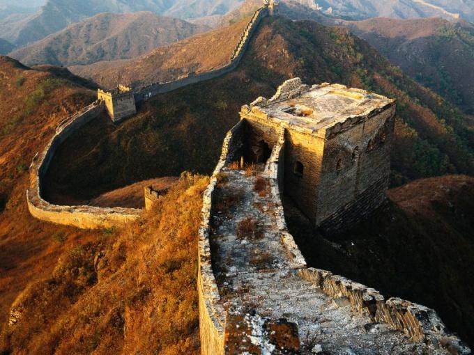 Какой длины Великая китайская стена