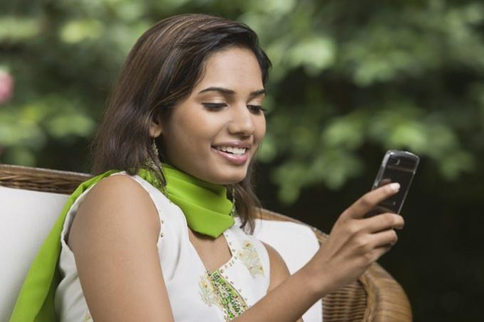 How to download Opera Mini on phone
