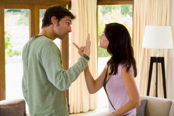 Не стоит высказывать свои претензии мужу в грубой форме