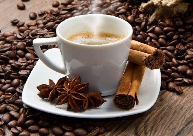 Сколько можно выпивать кофе в день
