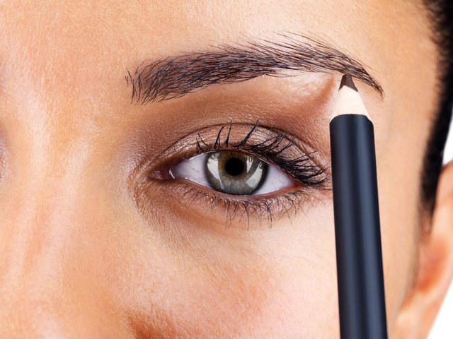 How to choose a color for eyebrow pencil